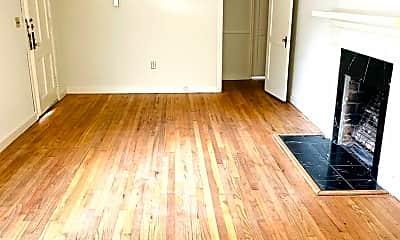 Living Room, 3556 Norman Bridge Rd, 1