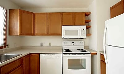 Kitchen, Harbortree Apartments at 151 Oneco Avenue, 1