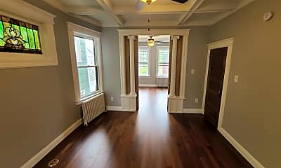 31 Winfield Ave 2, 1