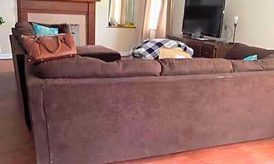 Living Room, 2021 Wyndhurst Road, 1