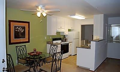 Ridgeway Apartments, 1
