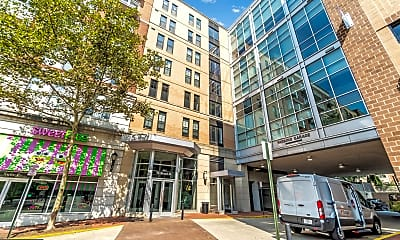Building, 444 W Broad St 303, 0