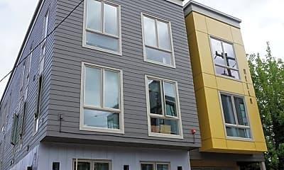 Building, 1525 N Webster St, 1