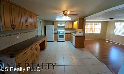 Kitchen, 3743 Elmwood Dr, 1