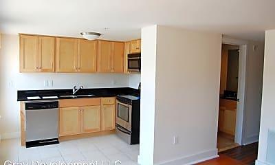 Kitchen, 8 W Broad St, 1