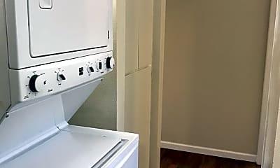 Bathroom, 630 W 2nd Ave, 2