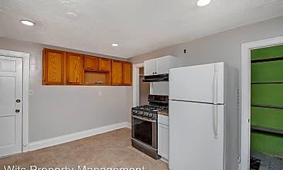 Kitchen, 429 Bay St, 1