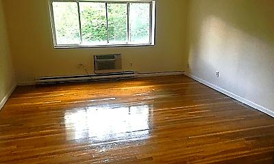 Living Room, 255 Elm St, 1