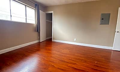 Living Room, 2023 Federal Ave 2, 2