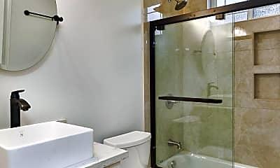 Bathroom, 3161 Greer Rd, 2