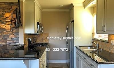 Kitchen, 1039 Bayview Ave, 0