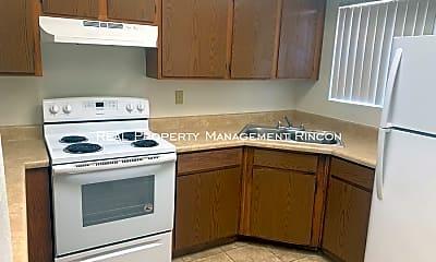 Kitchen, 1415 N El Rio Dr, 1