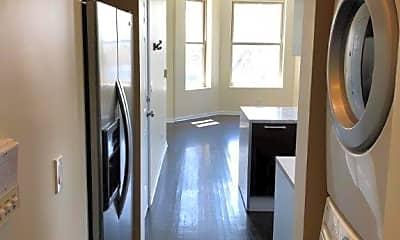 Bathroom, 2224 W 23rd St, 2