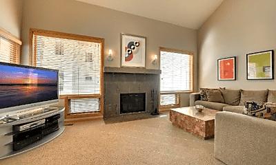 Living Room, 3004 Lake Shore Dr, 1