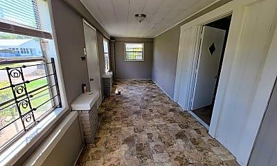 Living Room, 1672 Fulton Ave SW, 2