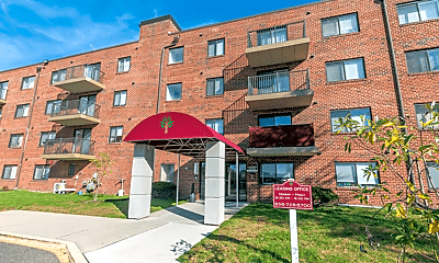 Winslow House Apartments, 1