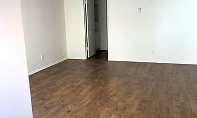 Living Room, 524 Raymond Ave 3, 2