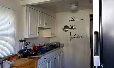Kitchen, 3022 Garrison St, 2