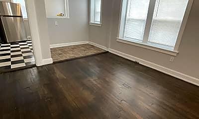Living Room, 1006 E 43rd St, 1
