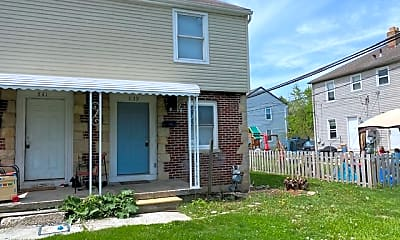 Building, 839 S Ogden Ave, 1