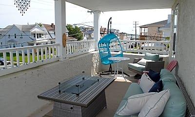 Pool, 711 Beach Ave 3, 0