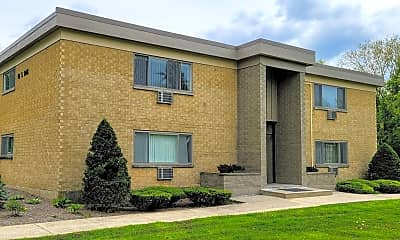 Building, 10 Oak Ave, 2