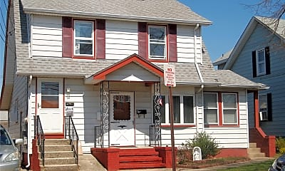 Building, 130 Jefferson Ave 2, 0