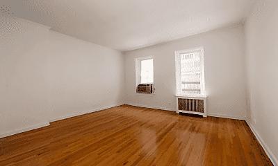 Living Room, 213 E 66th St, 1