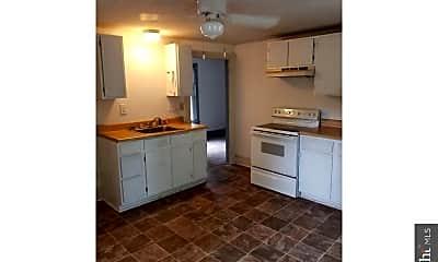 Kitchen, 19 Clara St B, 2