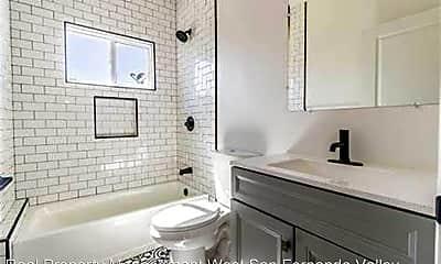 Bathroom, 6648 1/2 Beck Ave, 2