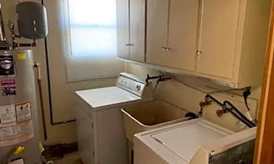 Kitchen, 3012 W Breneman St, 2