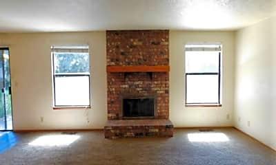 Living Room, 2012 Maplewood Ct S, 1