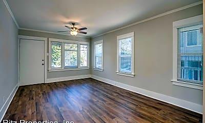 Living Room, 6544-6548 DeLongpre Ave., 1