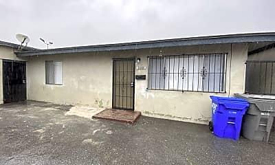 Patio / Deck, 835 E 4th St, 2