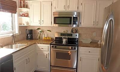 Kitchen, 27 Crows Nest Ln 10N, 2