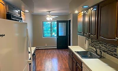 Kitchen, 32 Rollingwood Dr, 1