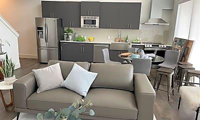 Living Room, 1100 Peters St 604, 1