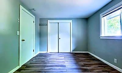 Bedroom, 58 Shattuck Ave S, 2