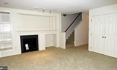 Living Room, 45482 Pine Trail Terrace, 1