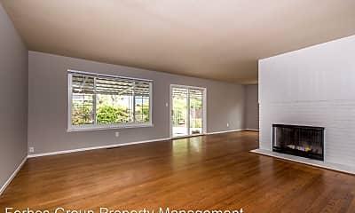 Living Room, 16871 Farley Rd, 1