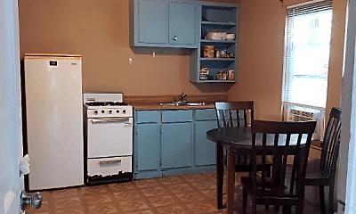Kitchen, 111 Richard St, 2