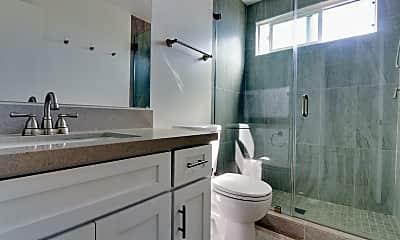 Bathroom, Sixth + Raymond, 2