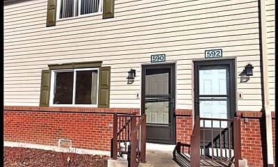 Building, 590 S Eaton St, 1