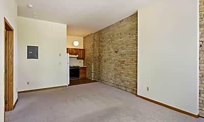 Living Room, 1009 Park Ave 204, 1