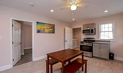 Room for Rent - Colonial Heights Home, 0