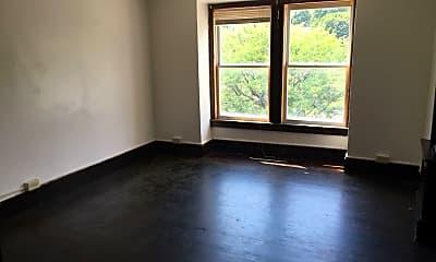 Living Room, 120 Main St, 1