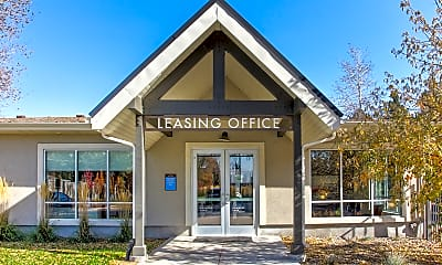 Leasing Office, Country Lake, 2