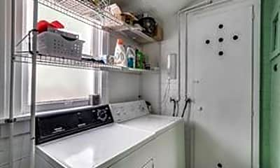 Kitchen, 2803 Greene Ave, 2