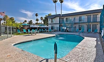 Pool, Plaza 550, 0