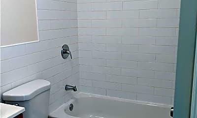 Bathroom, 447 Jackson Ave 2, 1